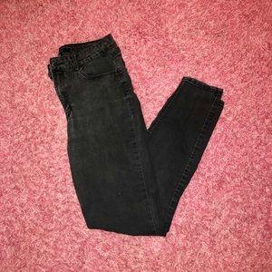FOREVER 21 BLACK SKINNY JEANS!!!! ONLY $15!!!